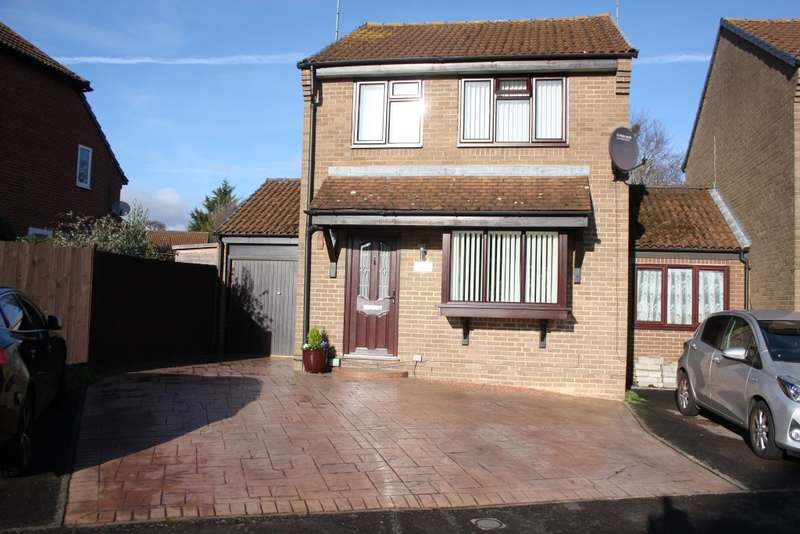 3 Bedrooms Link Detached House for sale in Cannock Way, Lower Earley, Reading, RG6