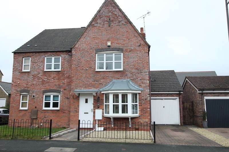 3 Bedrooms Semi Detached House for sale in Tythe Barn Lane, Dickens Heath, Solihull