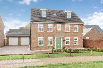 5 Bedrooms Detached House for sale in Buccaneer, Brooklands, Milton Keynes
