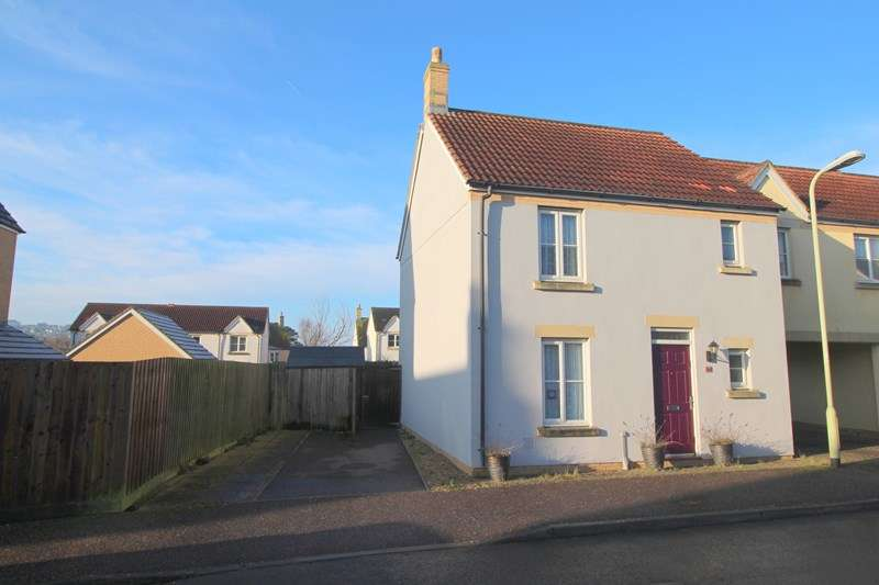 3 Bedrooms Semi Detached House for sale in Kimberley Park, Northam, Bideford