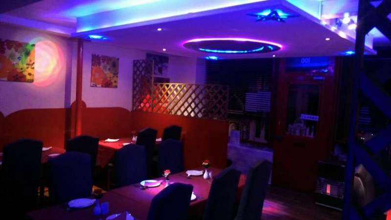2 Bedrooms Restaurant Commercial for sale in Commercial premises and 2 bedroom flat, West Street, Millbrook