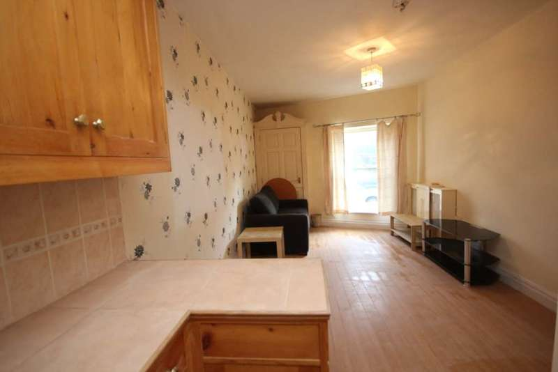 1 Bedroom Flat for rent in Lees Road, Mossley