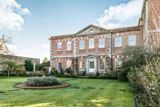 4 Bedrooms House for sale in Shillinglee, Godalming, West Sussex