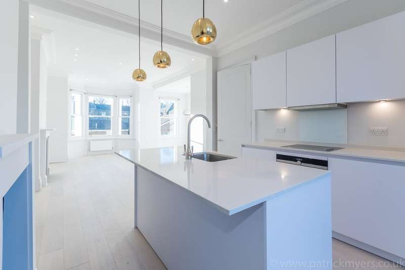 3 Bedrooms Apartment Flat for rent in 3 Dagmar Road, Camberwell, London, SE5 8NZ