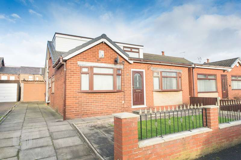 4 Bedrooms Semi Detached Bungalow for sale in Wenlock Road, Hindley, Wigan, WN2
