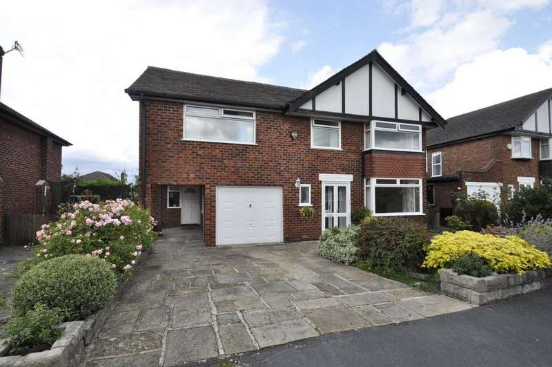 4 Bedrooms Detached House for sale in Crossway, Bramhall,