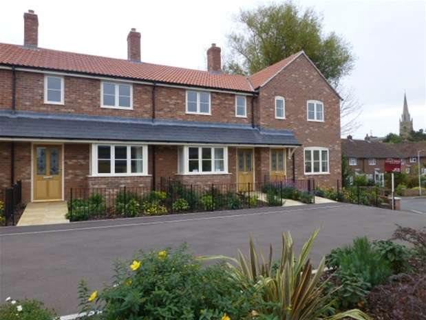 3 Bedrooms Terraced House for rent in Saxon Mills, Millbrook Gardens, Castle Cary