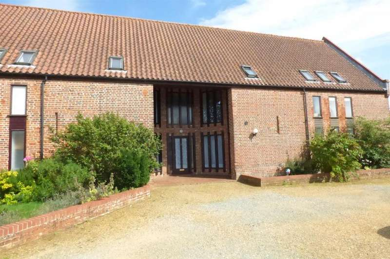 2 Bedrooms Barn Conversion Character Property for sale in Tithe Barn Close, Ickburgh