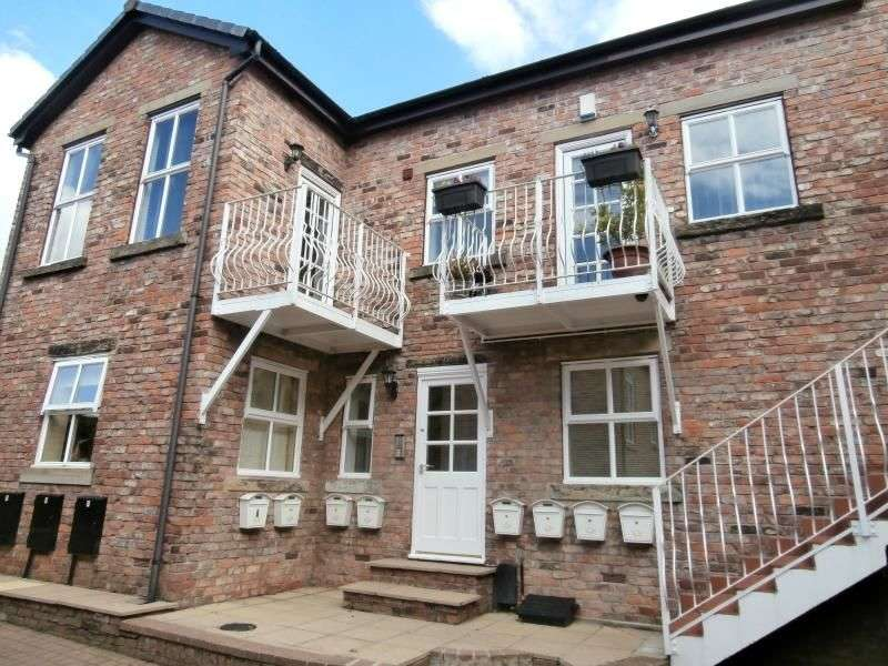2 Bedrooms Flat for rent in The Old Tannery, Hyde, SK14