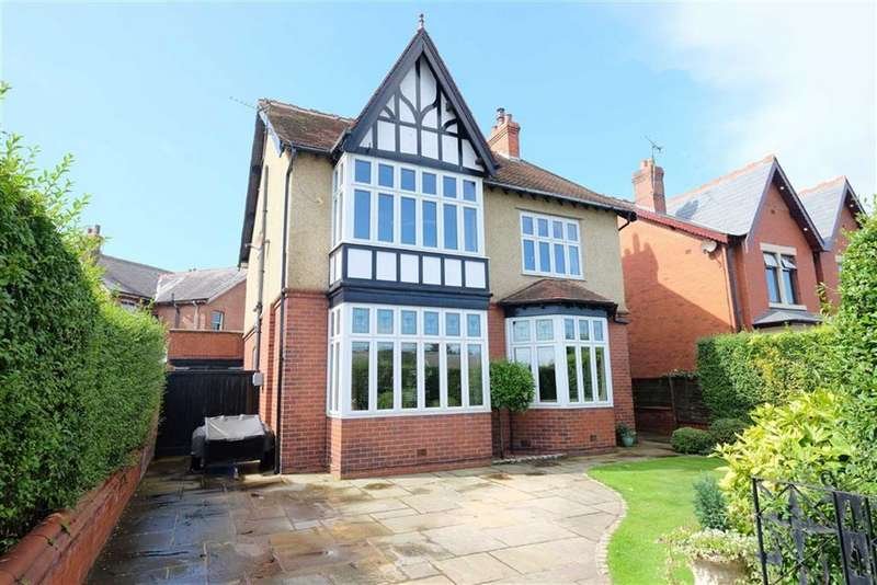 4 Bedrooms Detached House for sale in Blackpool Road, Ansdell, Lytham StAnnes