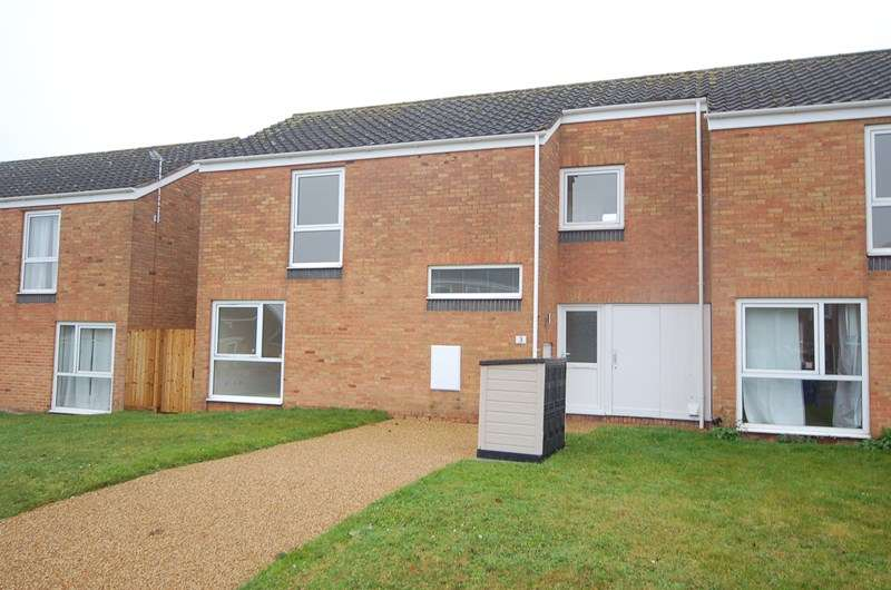 3 Bedrooms End Of Terrace House for rent in Walnut Close, Lakenheath, Brandon