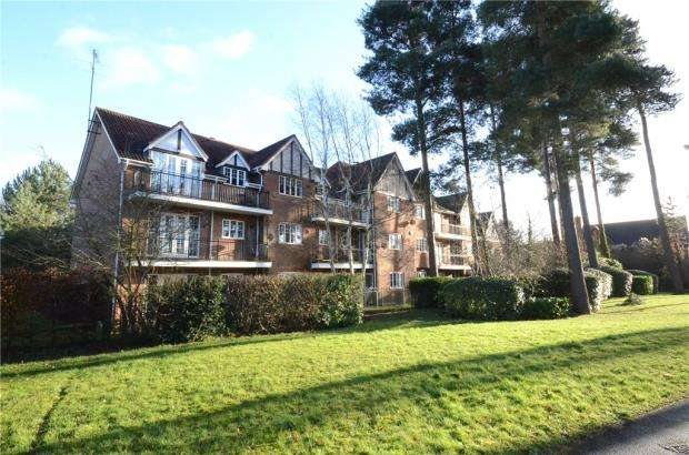 2 Bedrooms Apartment Flat for sale in Rotherwick House, Ramsdell Road, Fleet