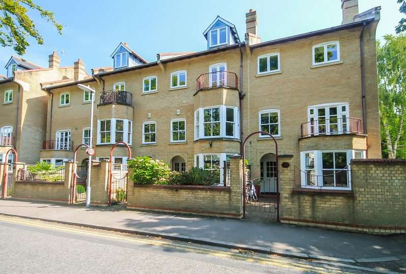 5 Bedrooms Town House for sale in Brookside, Cambridge