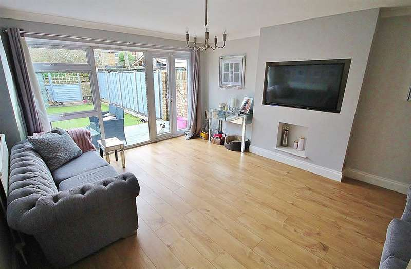 3 Bedrooms Terraced House for sale in Nellgrove Road, Hillingdon, UB10 0SX
