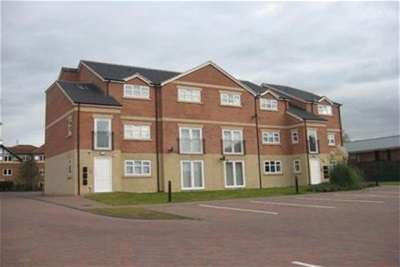 2 Bedrooms Flat for rent in Willowdene, MARTON