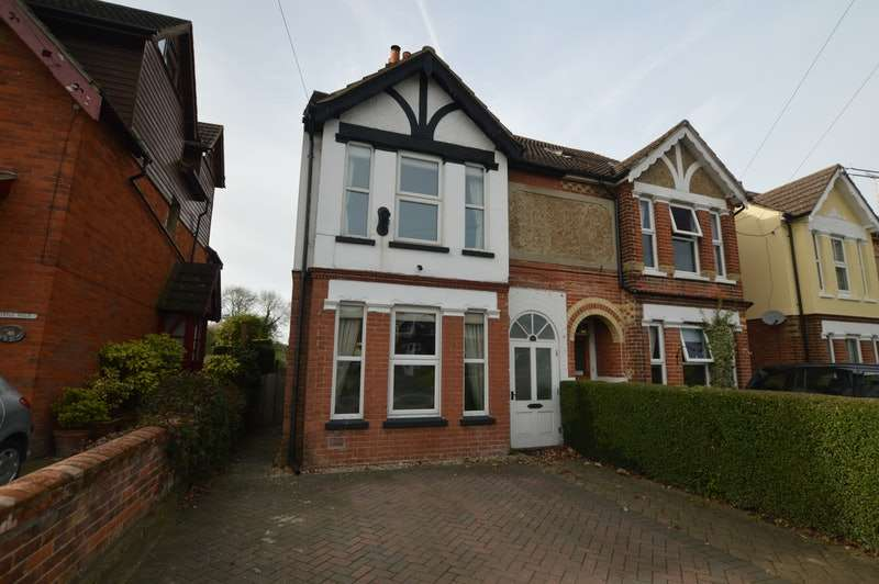 5 Bedrooms Semi Detached House for sale in Station Road, Folkestone, Kent, CT18