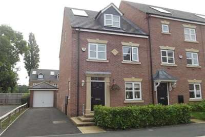 3 Bedrooms Town House for rent in Lawnhurst Avenue, Baguley