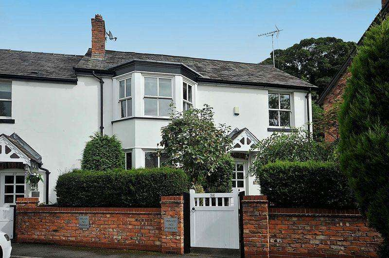3 Bedrooms Semi Detached House for sale in Lilybrook Drive, Knutsford