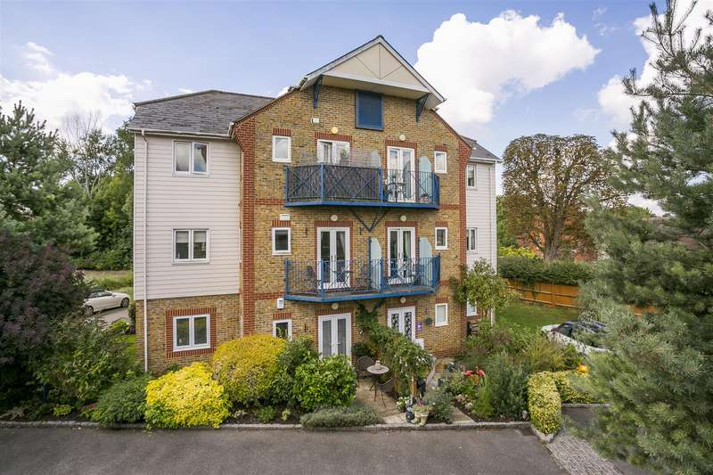 2 Bedrooms Flat for sale in Mill Street, East Malling, West Malling