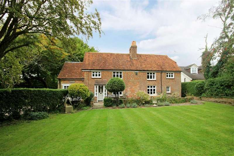 4 Bedrooms Detached House for sale in Spoil Lane, Tongham, Farnham