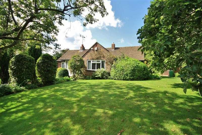 2 Bedrooms Detached Bungalow for sale in Wrotham, Kent