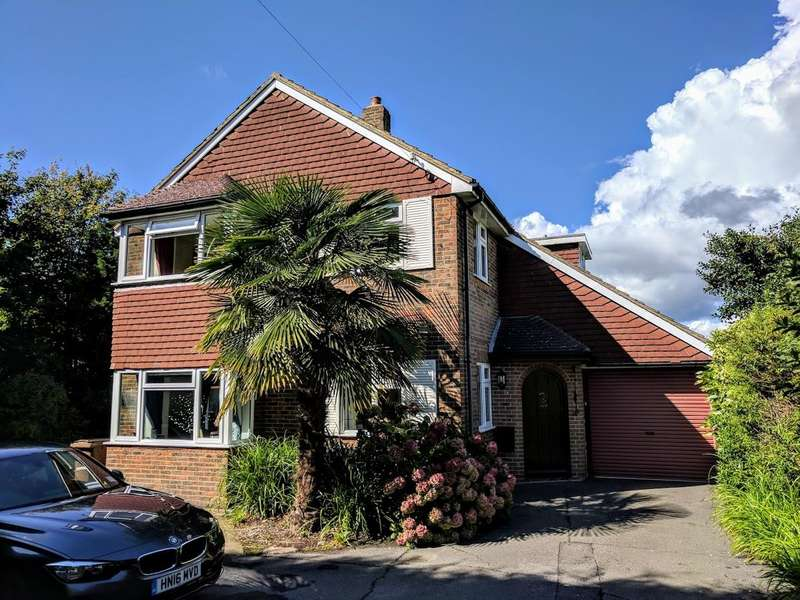 4 Bedrooms Detached House for sale in Church Street, Willingdon, Eastbourne