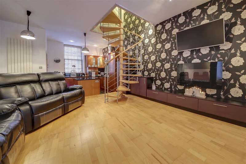 2 Bedrooms Semi Detached House for sale in Burnley Road, Crawshawbooth