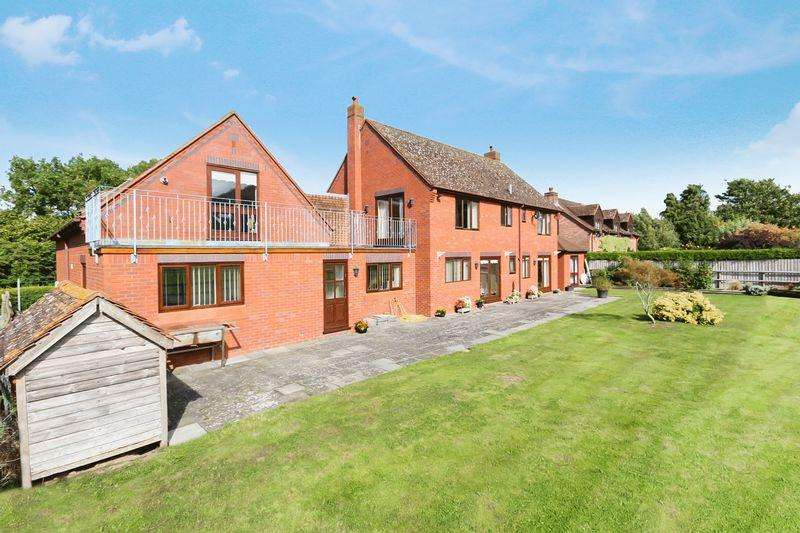 4 Bedrooms Unique Property for sale in MORDIFORD