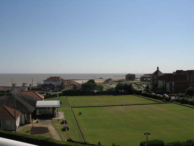 2 Bedrooms Retirement Property for sale in Collingwood Road, CLACTON ON SEA