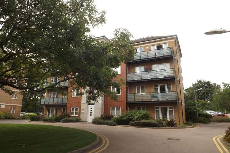 2 Bedrooms Flat for sale in The Parklands, Dunstable, LU5