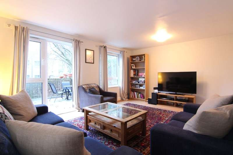 4 Bedrooms Flat for sale in Pembury House Mcneil Road, Camberwell, London, SE5