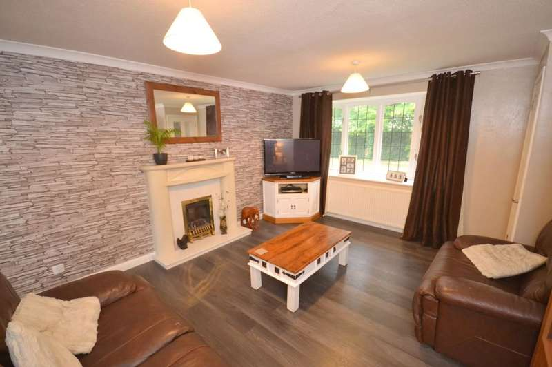 3 Bedrooms Detached House for sale in Clock Tower Court, Thorplands Brook, Northampton, NN3