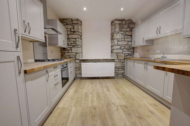 3 Bedrooms Flat for sale in Burnopfield, NE16