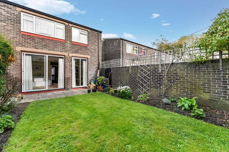 2 Bedrooms House for sale in Deventer Crescent, London SE22