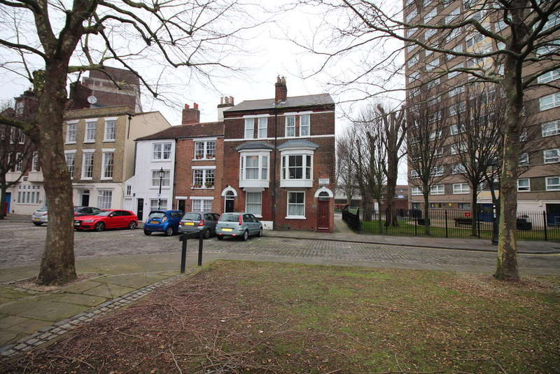 4 Bedrooms End Of Terrace House for sale in Ordnance Row, Portsmouth
