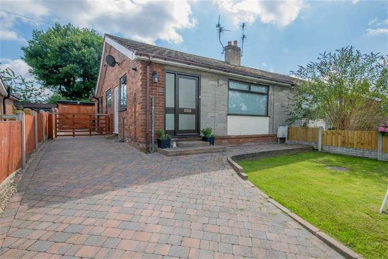 3 Bedrooms Semi Detached Bungalow for sale in Moorcroft, New Brighton, Mold
