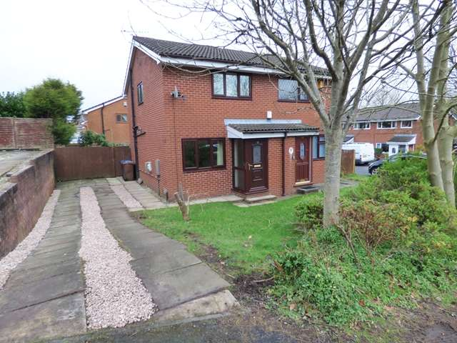 2 Bedrooms Semi Detached House for sale in Clover Field, Clayton-le-Woods, PR6