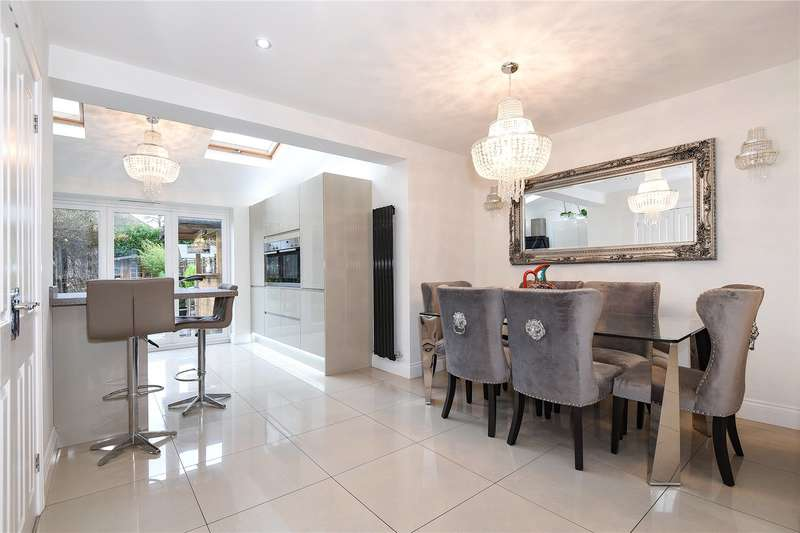 3 Bedrooms Semi Detached House for sale in Barlee Crescent, Uxbridge, Middlesex, UB8