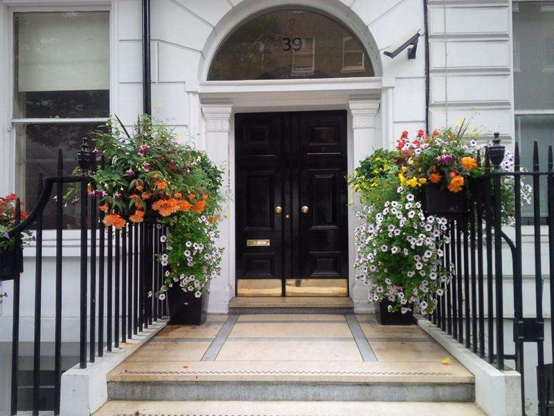3 Bedrooms Flat for sale in Devonshire Place, London W1