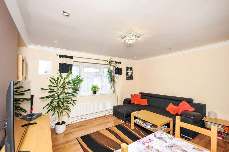 2 Bedrooms Flat for sale in Weston Grove, Bromley, BR1