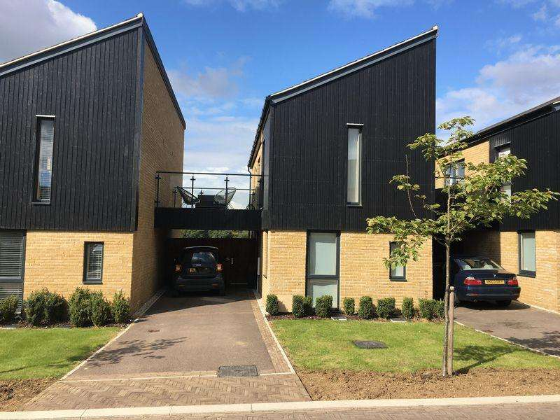 2 Bedrooms Link Detached House for sale in Sparrowhawk Way, Newhall