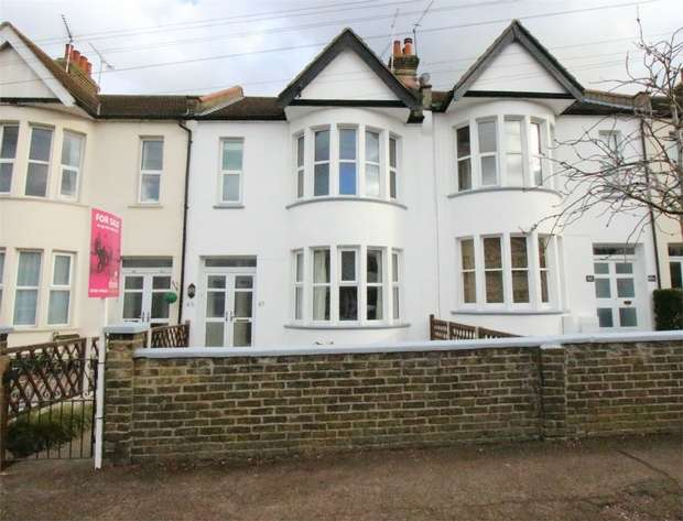 2 Bedrooms Flat for sale in 67a Chalkwell Park Drive, LEIGH-ON-SEA, Essex