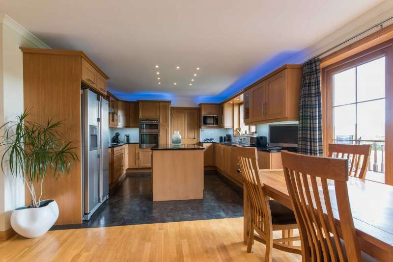 4 Bedrooms Bungalow for sale in Murkle, Thurso, Caithness, Highland, KW14 8YT