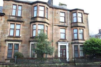 3 Bedrooms Flat for sale in Newton Street, Greenock
