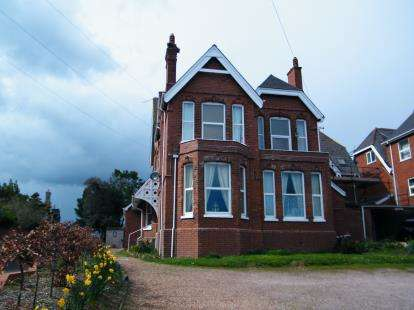 2 Bedrooms Flat for sale in 22 Portland Avenue, Exmouth, Devon