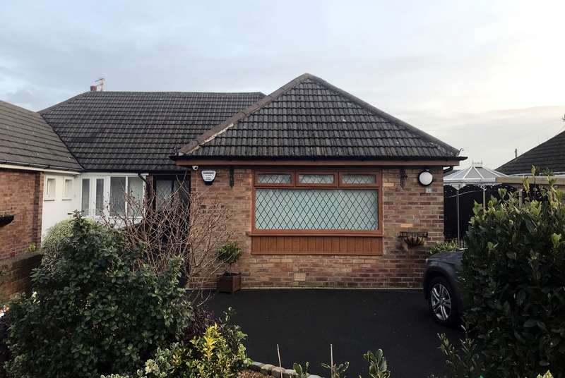 3 Bedrooms Bungalow for sale in Cromer Road, Lytham St Annes, FY8