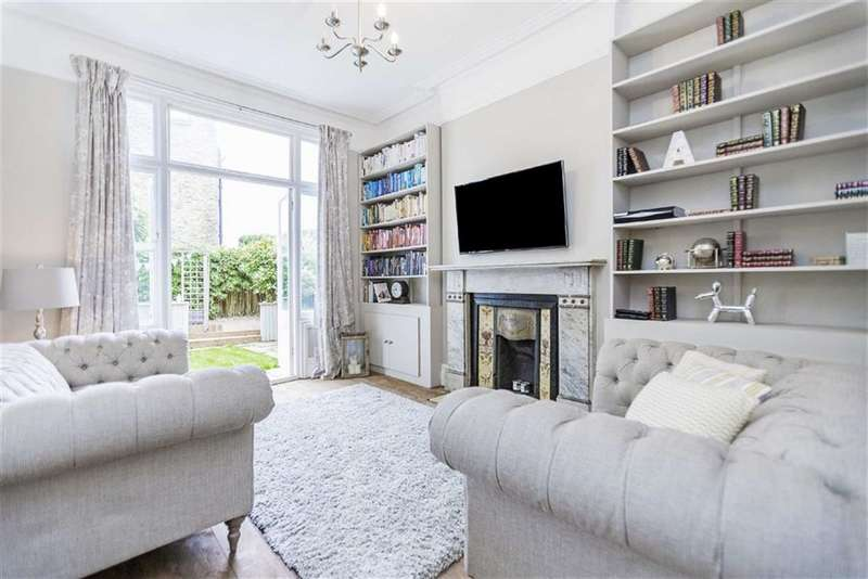 2 Bedrooms Flat for sale in Trinity Road, Tooting Bec