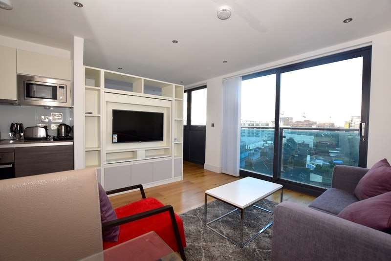 Studio Flat for sale in Station Road, Hayes, Middlesex, UB3