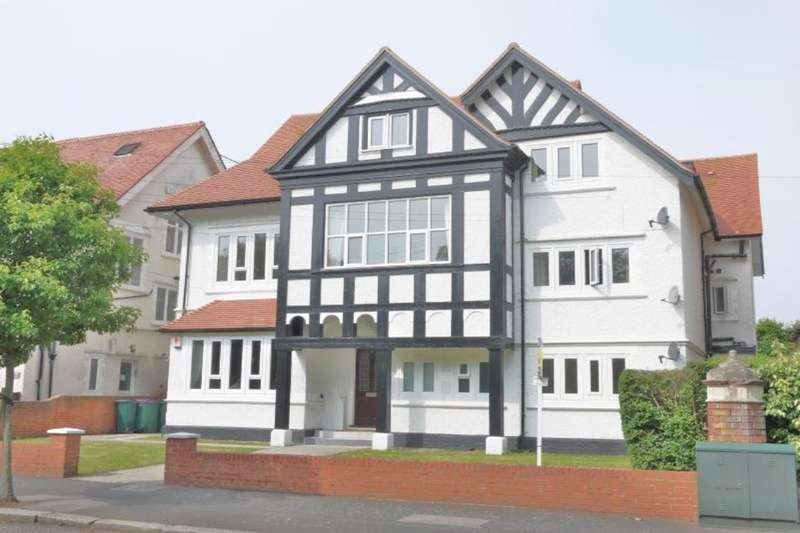 2 Bedrooms Flat for sale in Grimston Avenue, Folkestone, CT20