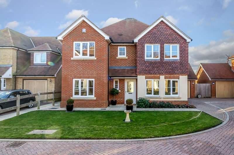 4 Bedrooms Detached House for sale in The Acers, Folkestone, CT20